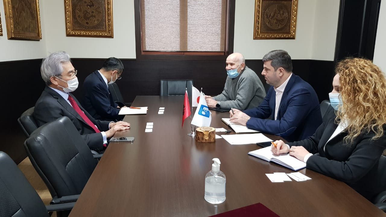 Kryetari i Dhomës së Tregtisë dhe Industrisë Tiranë pret në takim ambasadorin e ri të Japonisë në vendin tonë