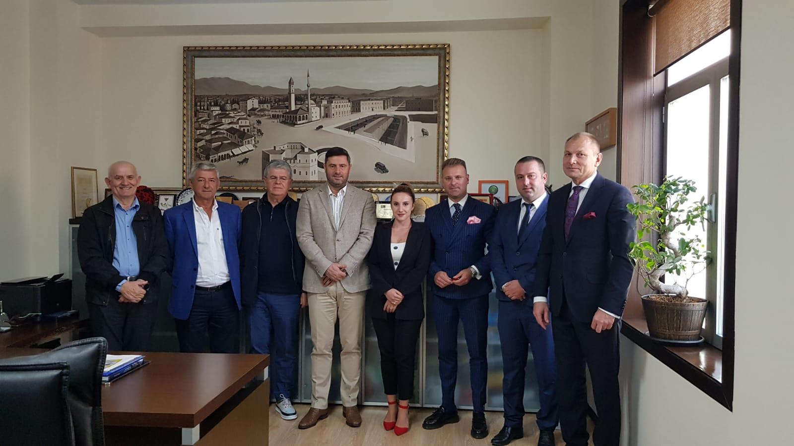Kryetari Jaka në takim me drejtuesit e Dhomës Polako-Ballkanike: Ne jemi të gatshëm të ri dimensionojmë marrëdhëniet ekonomike